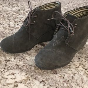 Never worn Toms grey suede desert wedge bootie